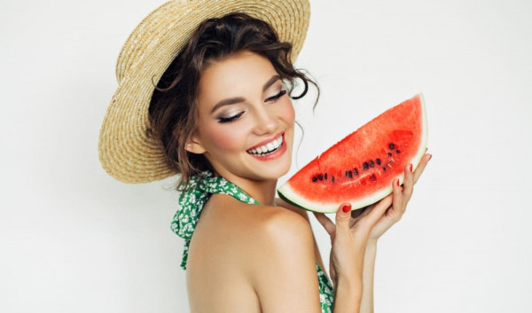 woman-with-water-melon-1000x589