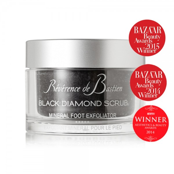 Black Diamond Scrub | Révérence de Bastien | Look Beautiful Products