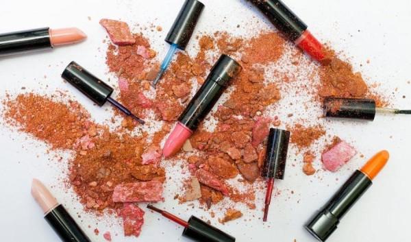 Teaser-Lippenstift-vs-Lipgloss-Look-Beautiful