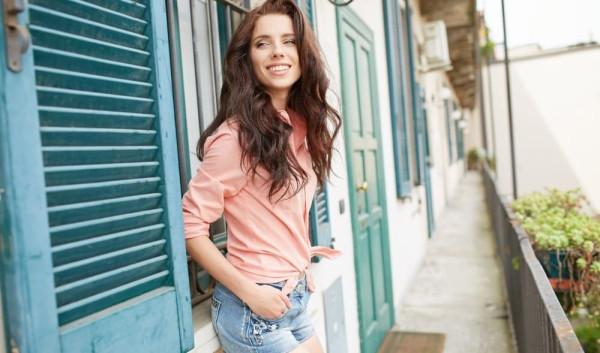 young-beautiful-woman_1000x589